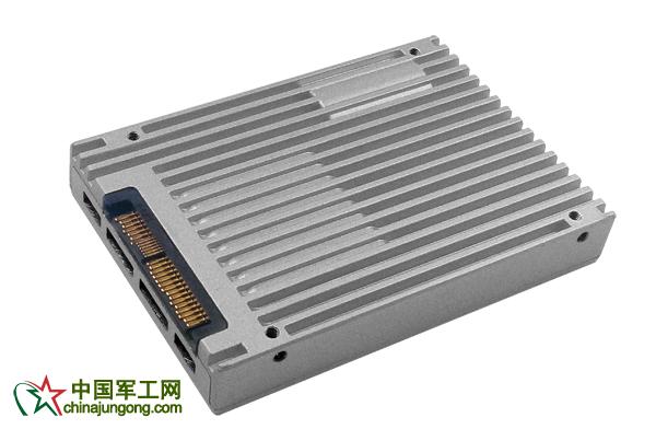 YANSEN元存2.5英寸U.2宽温级固态硬盘