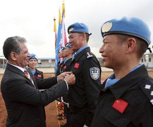 联合国授予中国第五支驻利比里亚维和警察防暴队全体队员和平勋章