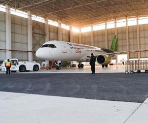 第二架C919大型客机完成首次飞行