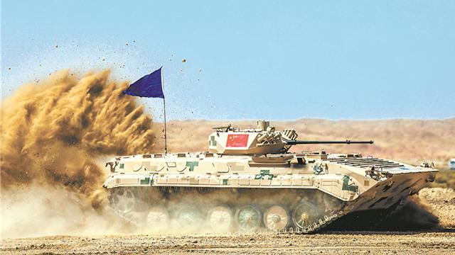"""中国陆军获""""苏沃洛夫突击""""接力赛团体第一"""